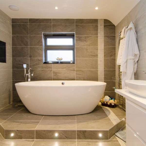 Benefits of soft water - shiny bathroom